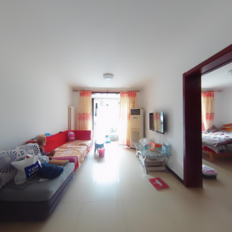 1室1厅1卫1阳台3000元/年,环境幽静,居住舒适